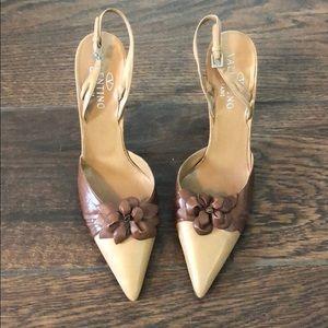 Vintage leather Valentino pointy toe heels